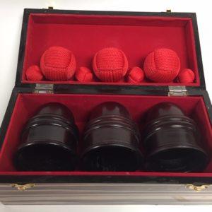 Cups & Balls Dark Wood Deluxe (0098-A6)