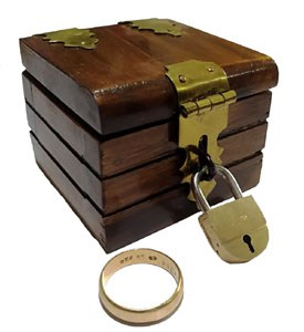 Ring Box Hout(0400)