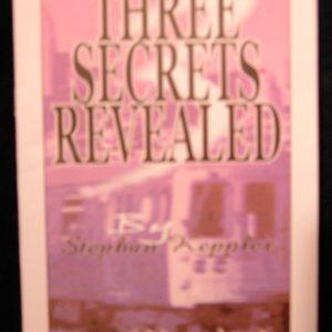 Three Secrets Revealed Boekje (B0034)